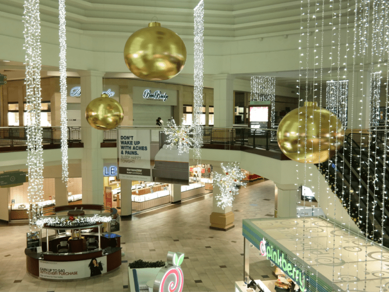Barton Creek Mall – Commercial Christmas Decorations